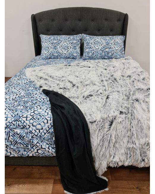 665910_665994 Mammoth Blanket 2 Tone Black and White
